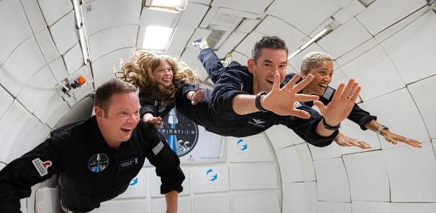 SpaceX enviará 4 pessoas 'comuns' para o espaço; veja como foi a preparação